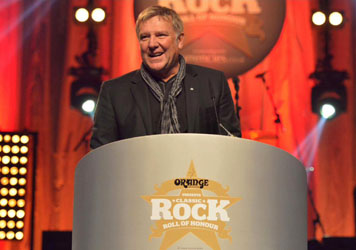 Alex Lifeson Receives the Spirit of Prog Award
