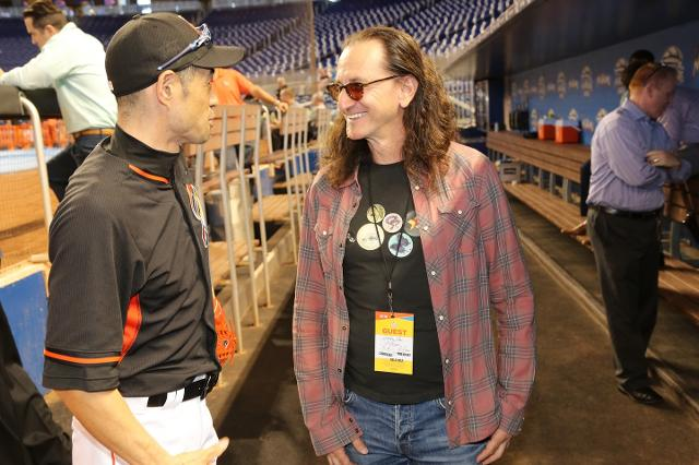 Geddy Lee Travels to Florida to Expand His Baseball Autograph Collection
