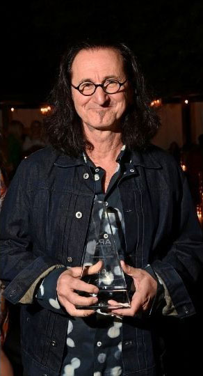 Geddy Lee Honoured at Artists for Peace and Justice's Annual Gala